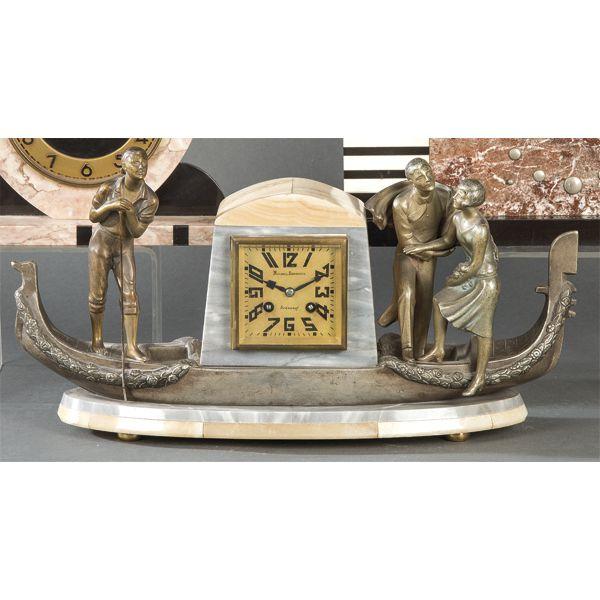 Reloj con Art Decó en forma de góndola