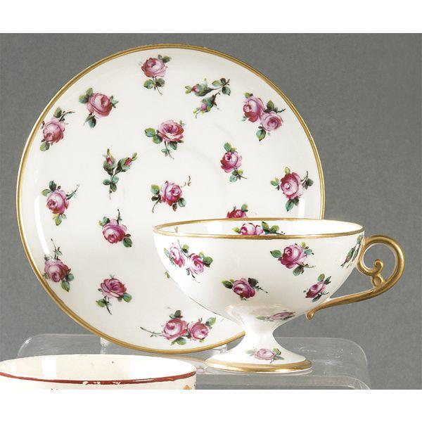 Taza de colección de porcelana francesa, S. XIX.