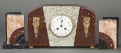 Reloj de sobremesa con guarnición Art Deco, Francia h. 1920.