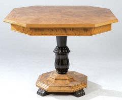 Mesa de centro con tapa octogonal de madera de frutal y pie central ebonizado, pps.S.XX