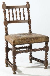 Silla de nogal torneada con siento de cordobán, S.XVIII