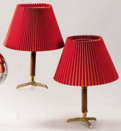 Pareja de lámparas de sobremesa de bronce y cuero, españolas, años 50