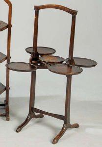 """Pastelero plegable modelo """"Monoplane"""" de roble inglés h. 1920"""
